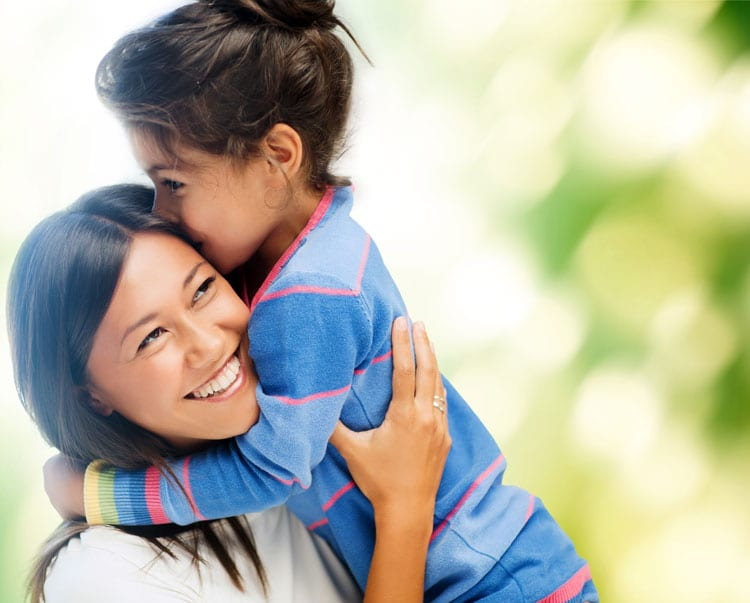Hugging - 7 Benefits For You And Your Child (Backed By