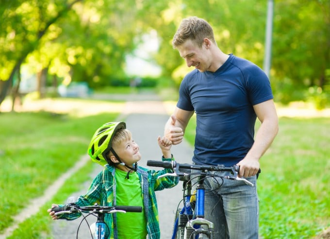 6 Proven Ways To Encourage Kids Effectively (Without Side