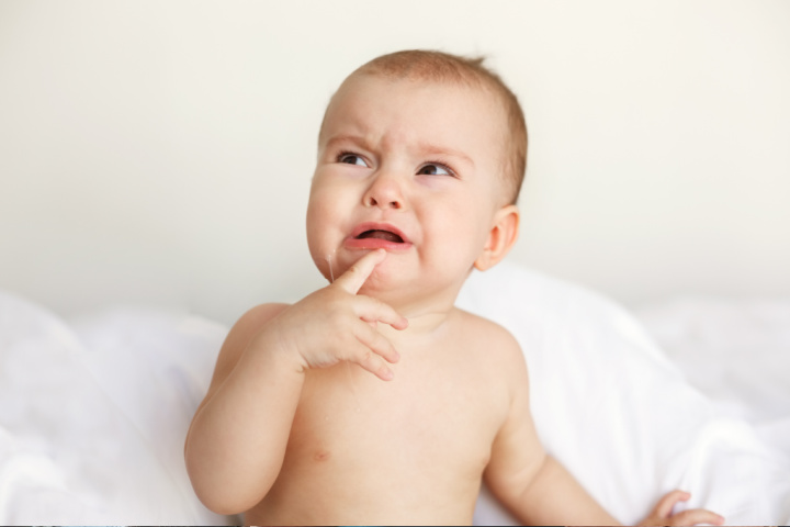 baby cries with unresolved attachment style